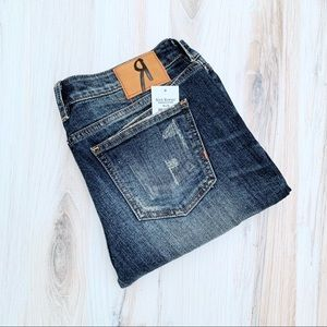ROCK REVIVAL Distressed Mid Rise Straight Jean 30